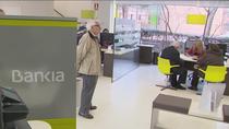 """CCOO y UGT alertan sobre pérdidas de empleo en la fusión Caixabank-Bankia y piden """"medidas no traumáticas"""""""