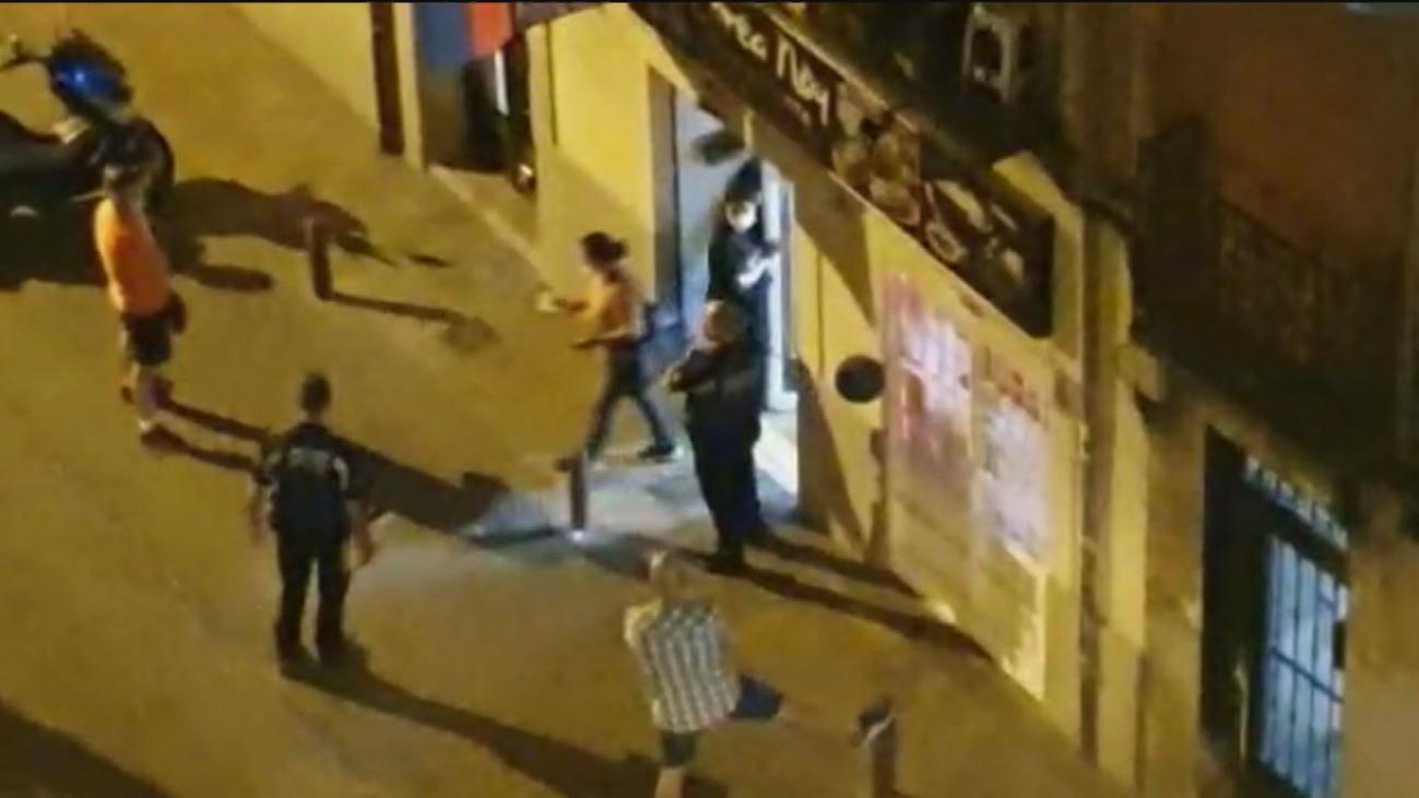 Desalojan un bar de Tetuán que celebraba un bautizo con 70 personas donde debía haber 20