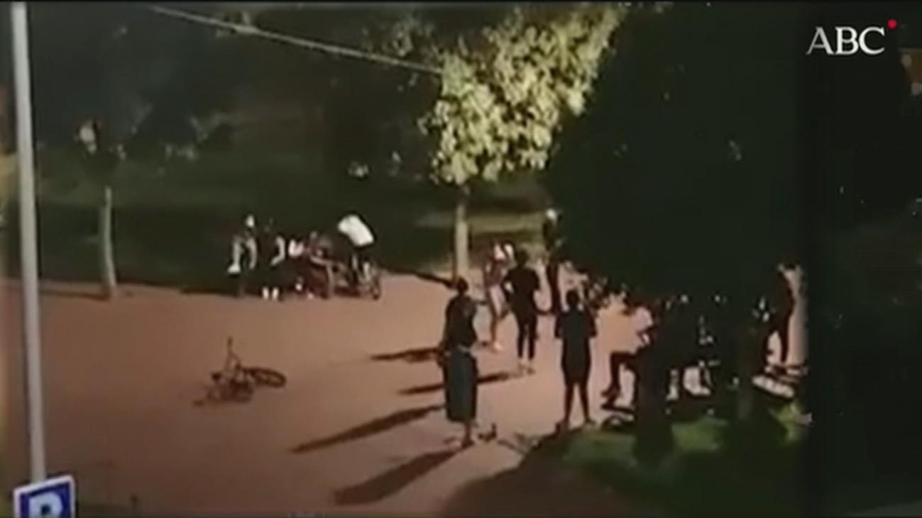 Un grupo de jóvenes organiza combates ilegales en un parque de Parla