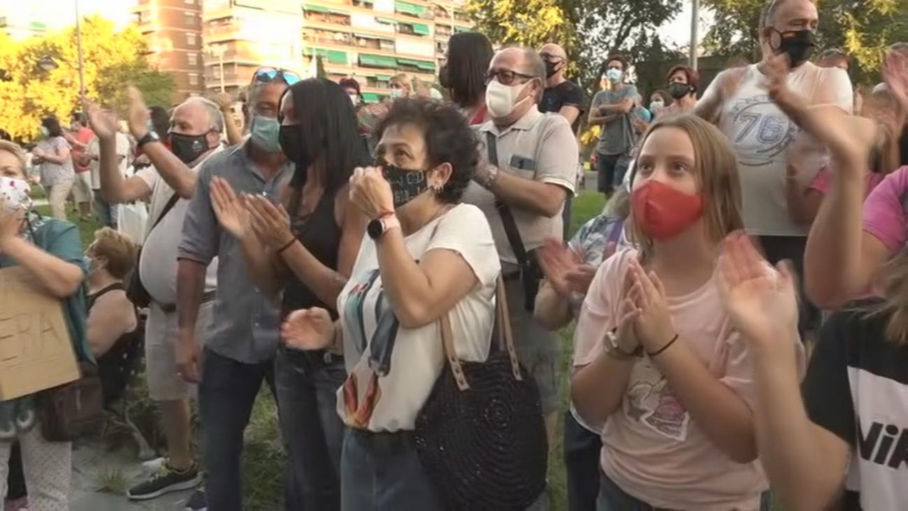 Multitudinaria concentración por el caso de la cuidadora okupa en Leganés