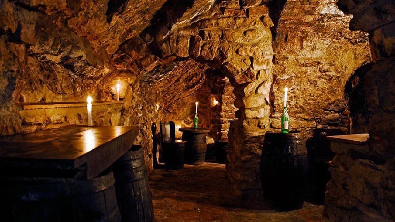 Las Cuevas de El Molar