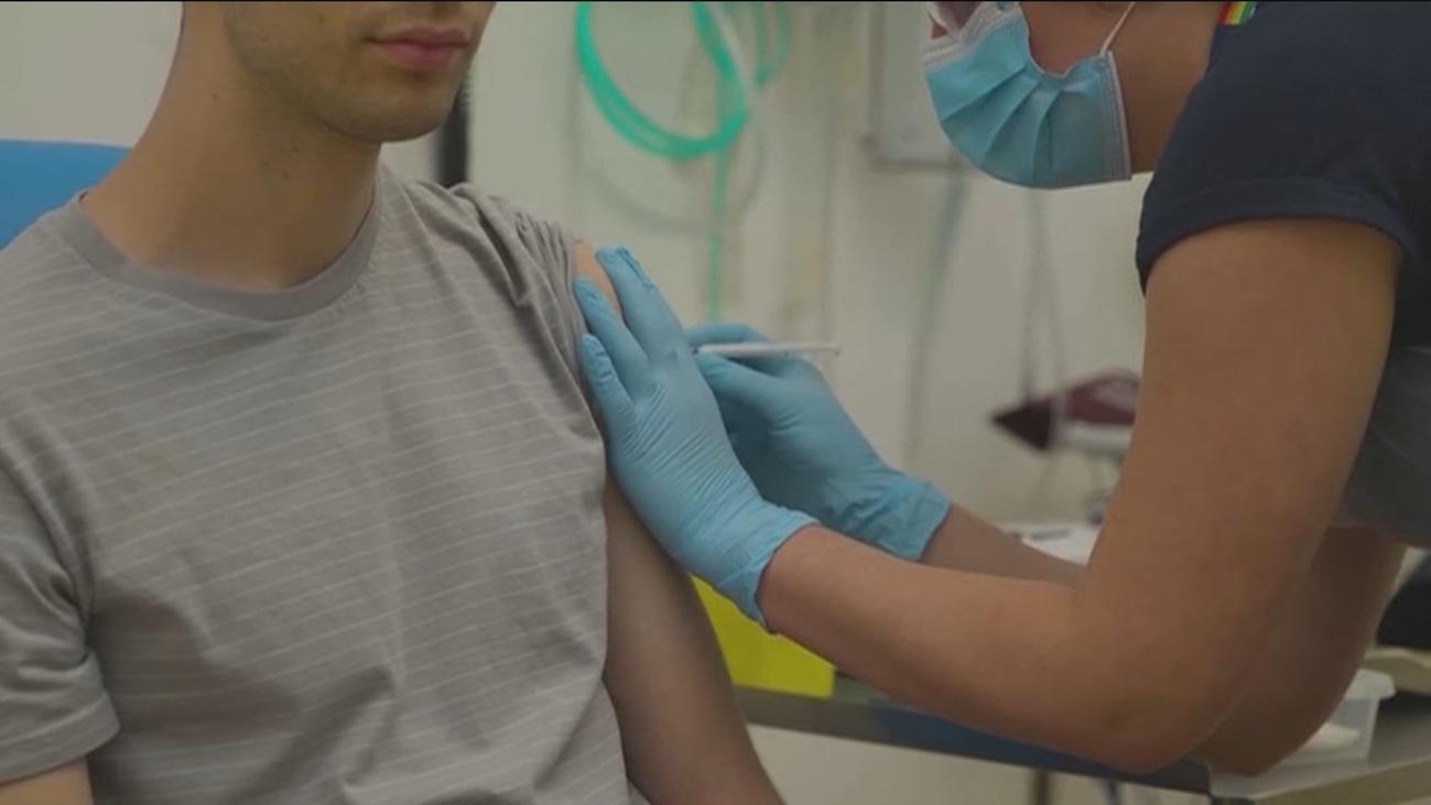 Gobierno y comunidades acuerdan una estrategia de vacunación de Covid y crearán un registro estatal