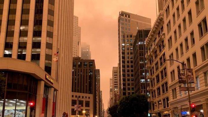 Apocalítico cielo naranja en San Francisco por los incendios