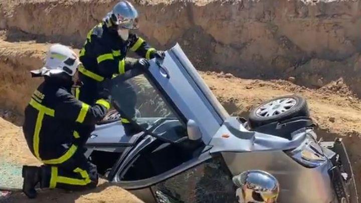 Herida una anciana tras caer con su coche en una zanja en la M-503 en Pozuelo