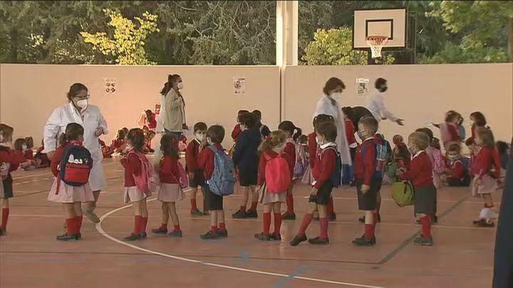 Madrid registra 1.740 aulas confinadas en los colegios de la región