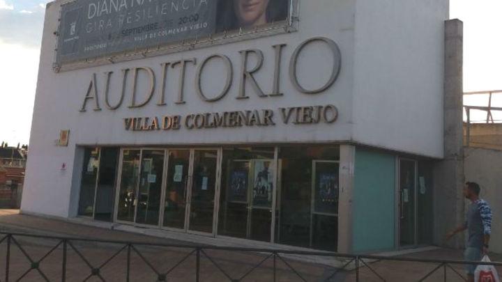 Colmenar Viejo reabre el teatro  municipal con nuevas medidas de seguridad tras seis meses de parón por el Covid