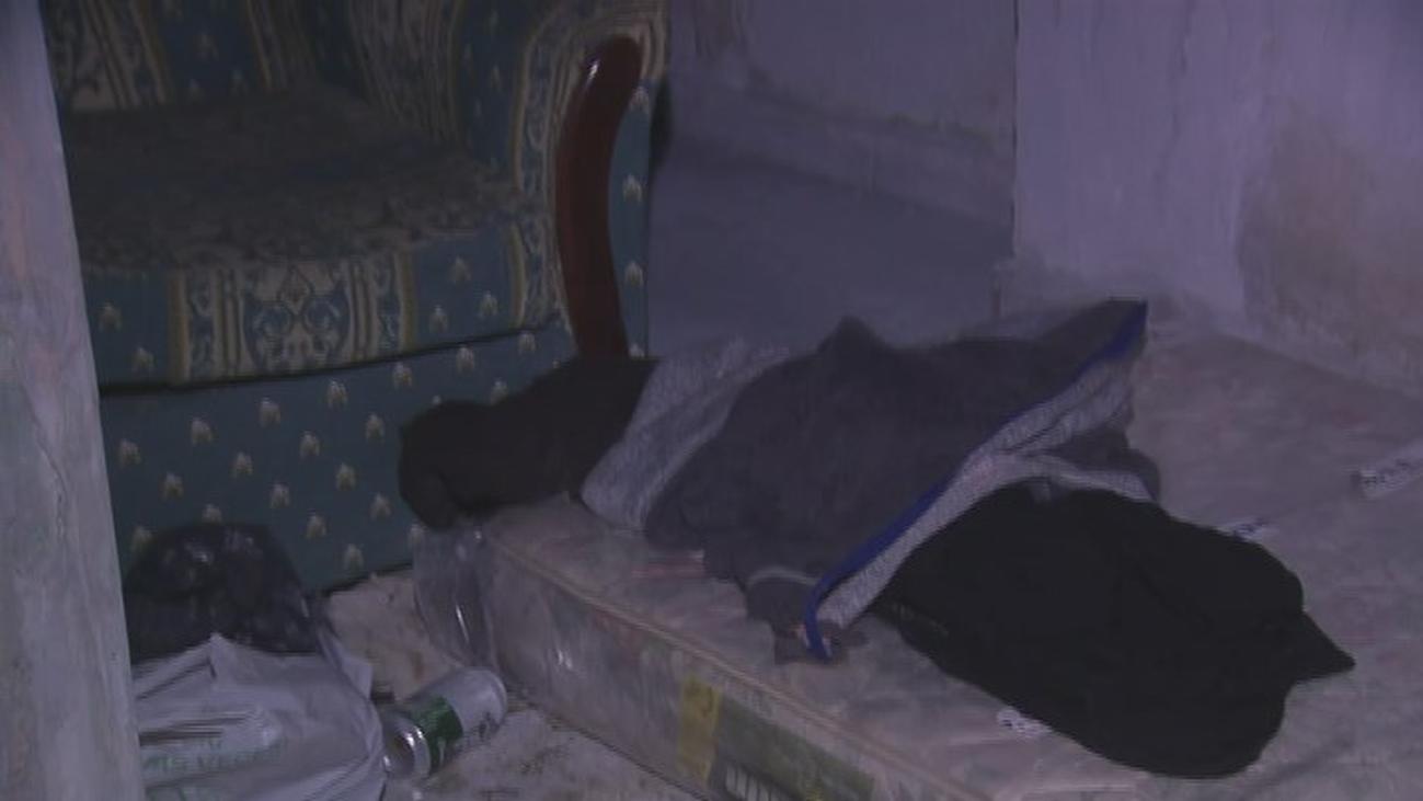 La pesadilla de unos vecinos de  Carabanchel que viven amenazados por un hombre