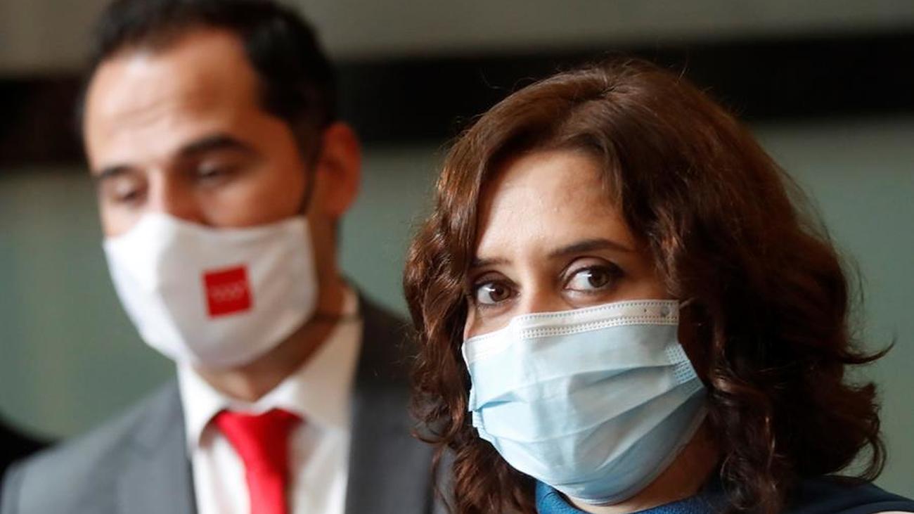 Discurso de Ayuso lleno de anuncios marcado por la pandemia y el fantasma de la moción de censura