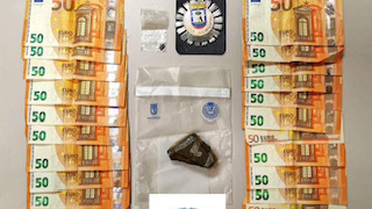 Dinero y droga decomisada por la Policía Municipal