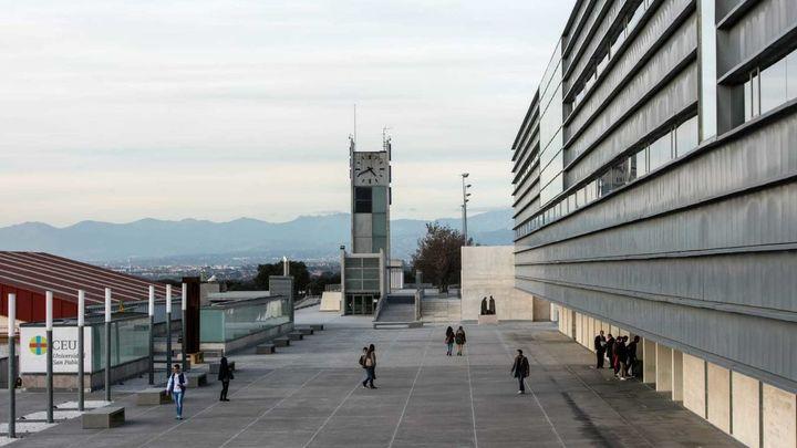 Inquietud entre los alumnos de un máster de la CEU San Pablo tras un positivo por coronavirus