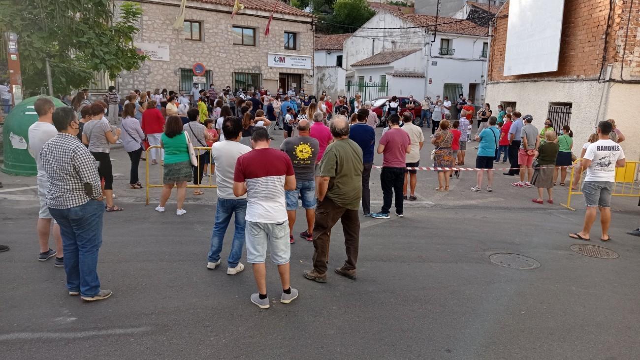 Protesta ante el consultorio médico de Valdelaguna