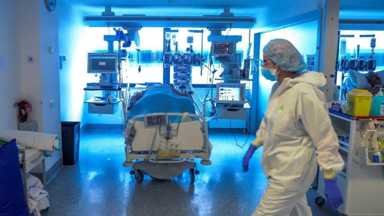 Sala con pacientes de Covid-19 de un hospital