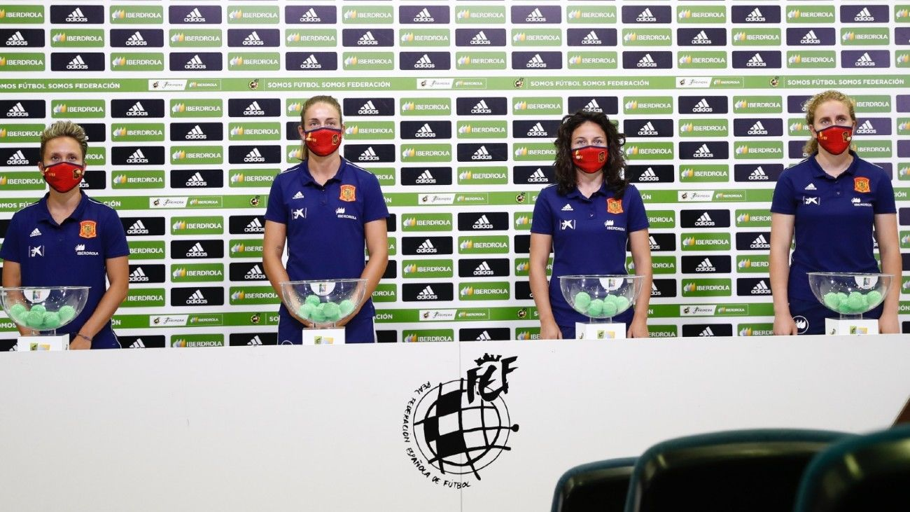 Sorteo del calendario de la liga femenina de fútbol