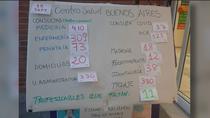 """Sanitarios agotados en Vallecas cuelgan un cartel con las numerosas citas y piden comprensión: """"No podemos más"""""""