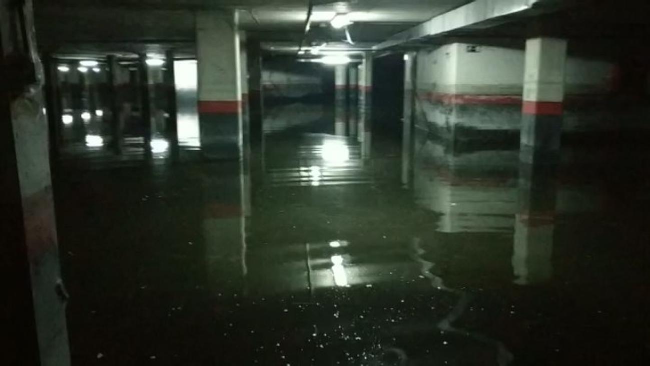 Dos años soportando aguas fecales en un garaje en Parla