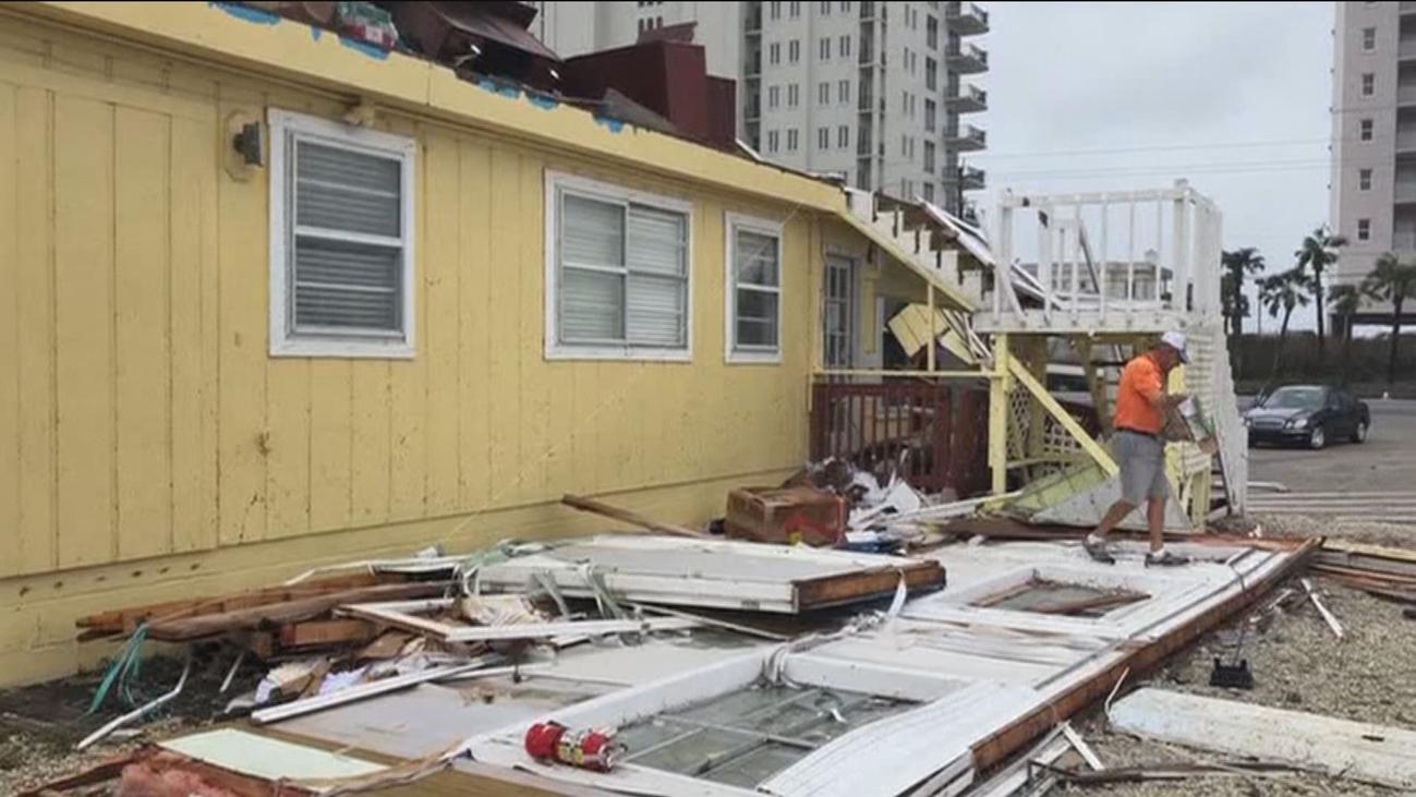 El paso del huracán Sally deja importantes destrozos en Alabama y Florida