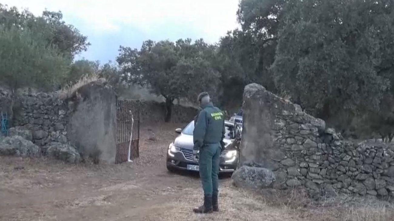 La Guardia Civil busca restos óseos en la finca de Monesterio