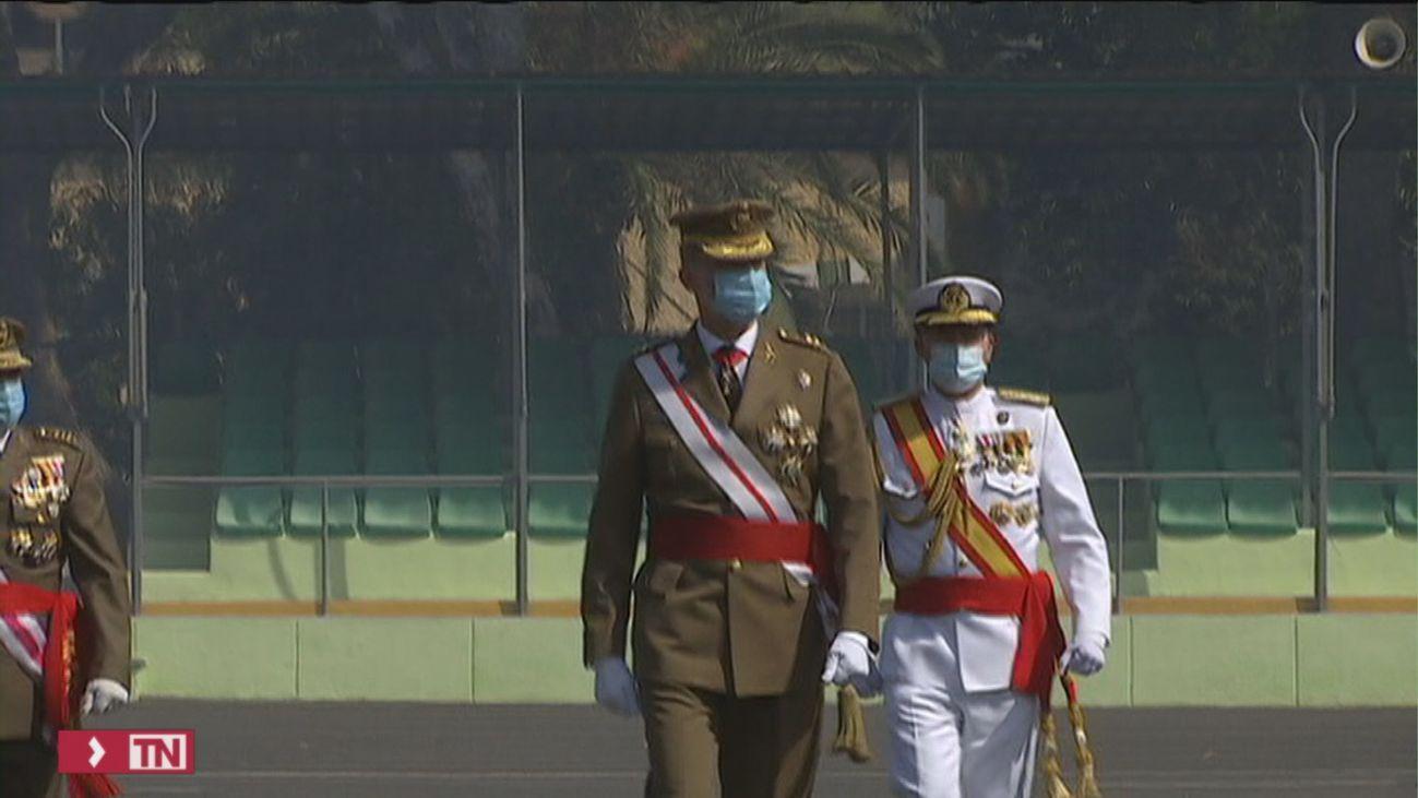 """Felipe VI traslada """"su cariño y admiración"""" a los militares en  el acto conmemorativos del centenario de La Legión"""