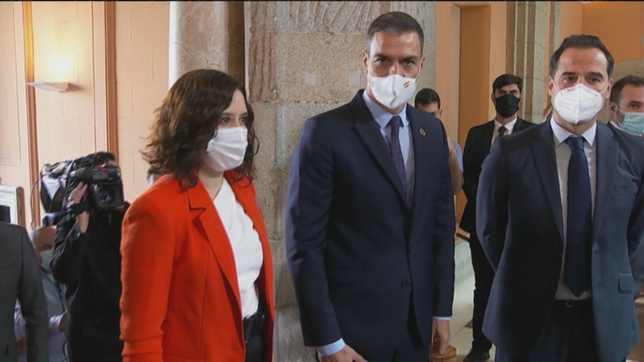 Isabel Díaz Ayuso, Pedro Sánchez e Ignacio Aguado se reúnen en Sol