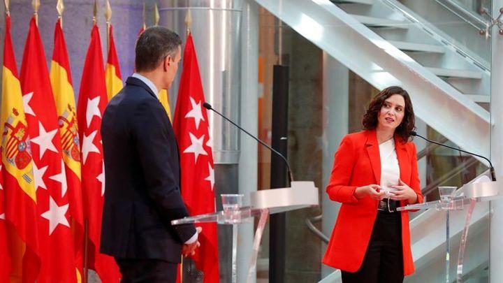 Posible cara a cara entre Sánchez y Ayuso este lunes en el acto del Palacio Real