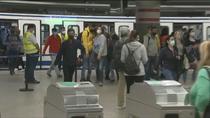 Refuerzo de transportes en los municipios afectados aunque los viajeros señalan demoras por los controles
