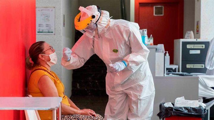 Sanidad notifica 10.799 nuevos casos, 3.125 en 24 horasy 241 fallecidos