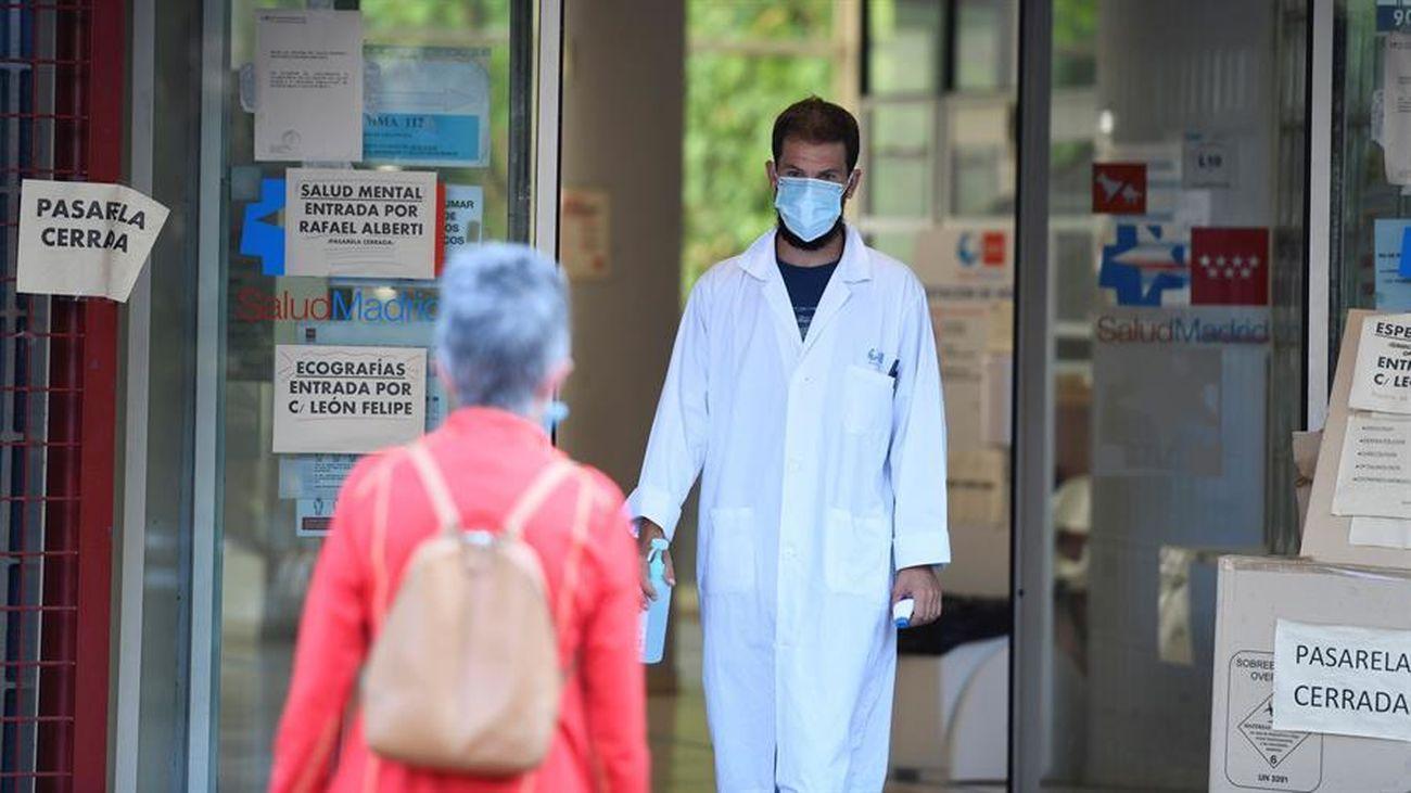 Entrada a un centro de salud de Madrid