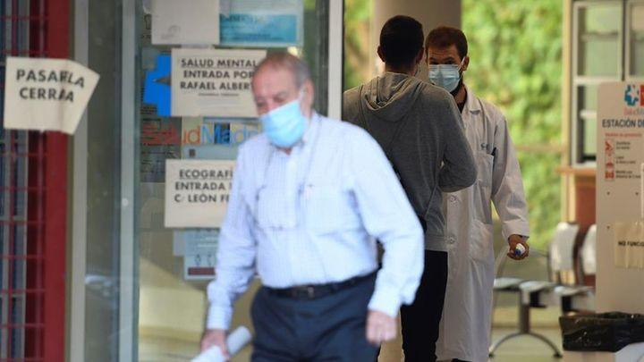 Madrid tiene 3.100 personas ingresadas en los hospitales por Covid, con 417 en la UCI