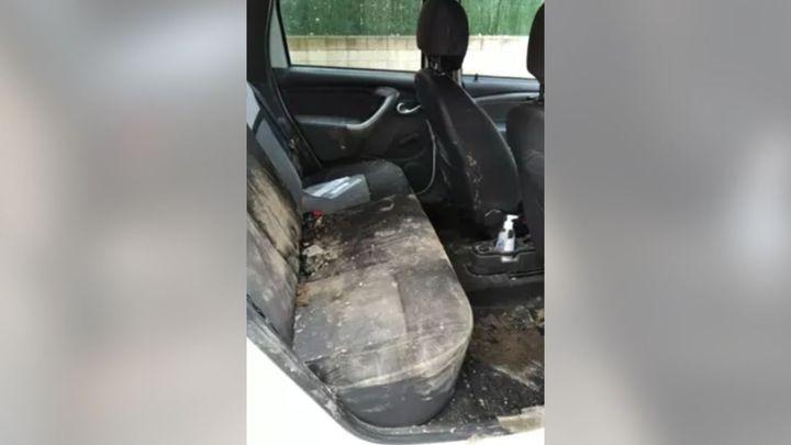 Destrozan a pedradas un coche de Policía tras ser descubiertos haciendo un botellón en Fuente el Saz