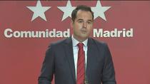 Madrid pide al Gobierno apoyo militar, 222 policías y una reforma exprés para traer 300 médicos extranjeros