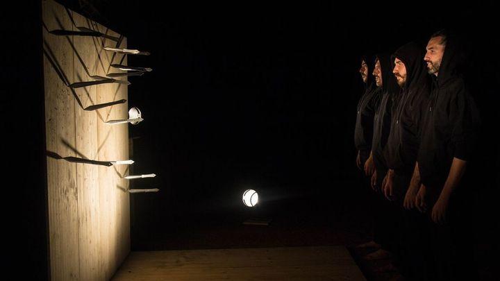 'Suspensión' en el Teatro Circo Price