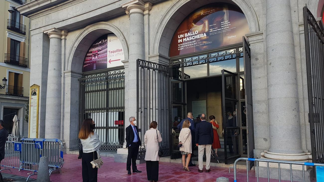 El Teatro Real sube el telón de su nueva temporada y baja el aforo