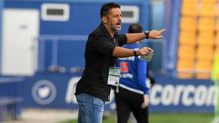 Mere Hermoso, destituido como entrenador del Alcorcón y vuelve Anquela