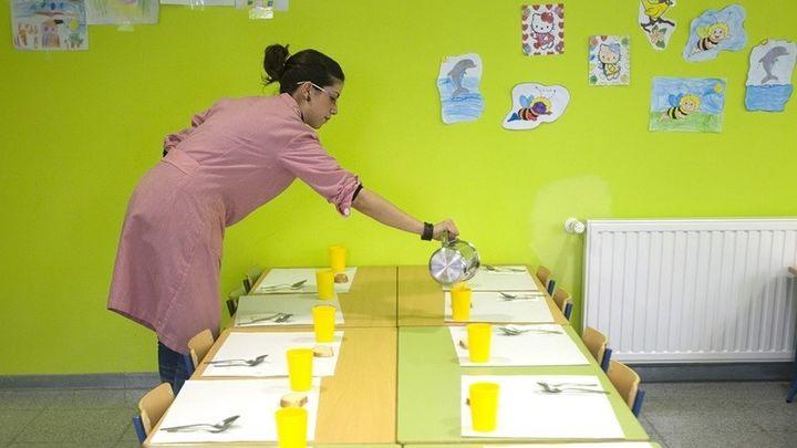 Bajón de niños en los comedores escolares de Madrid por el coronavirus