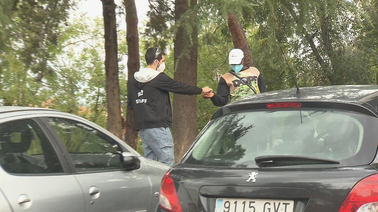 """Quejas contra los """"gorrillas"""" al aparcar en el Clínico San Carlos y en la Jiménez Díaz"""