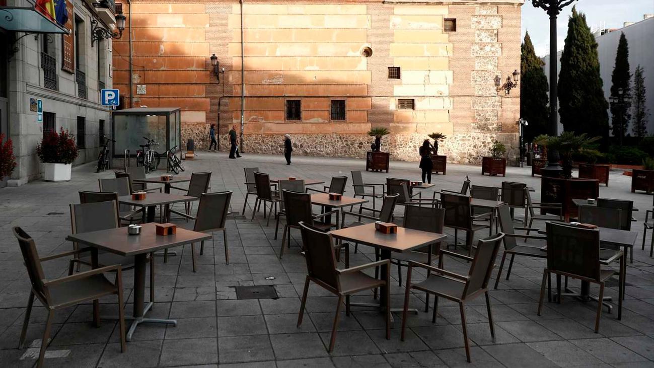 La hostelería advierte del cierre de negocios definitivo si les obligan a cerrar a las 10 de la noche