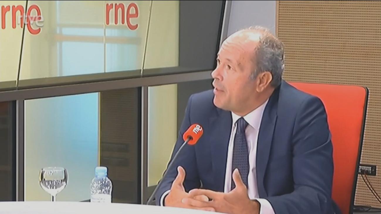 """El ministro de Justicia dice que se impidió al Rey ir a Barcelona para """"velar por la convivencia"""""""