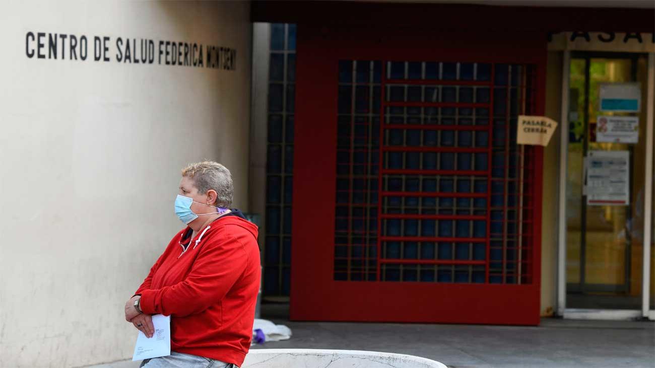 Los test rápidos de antígenos se estrenan en Puente de Vallecas