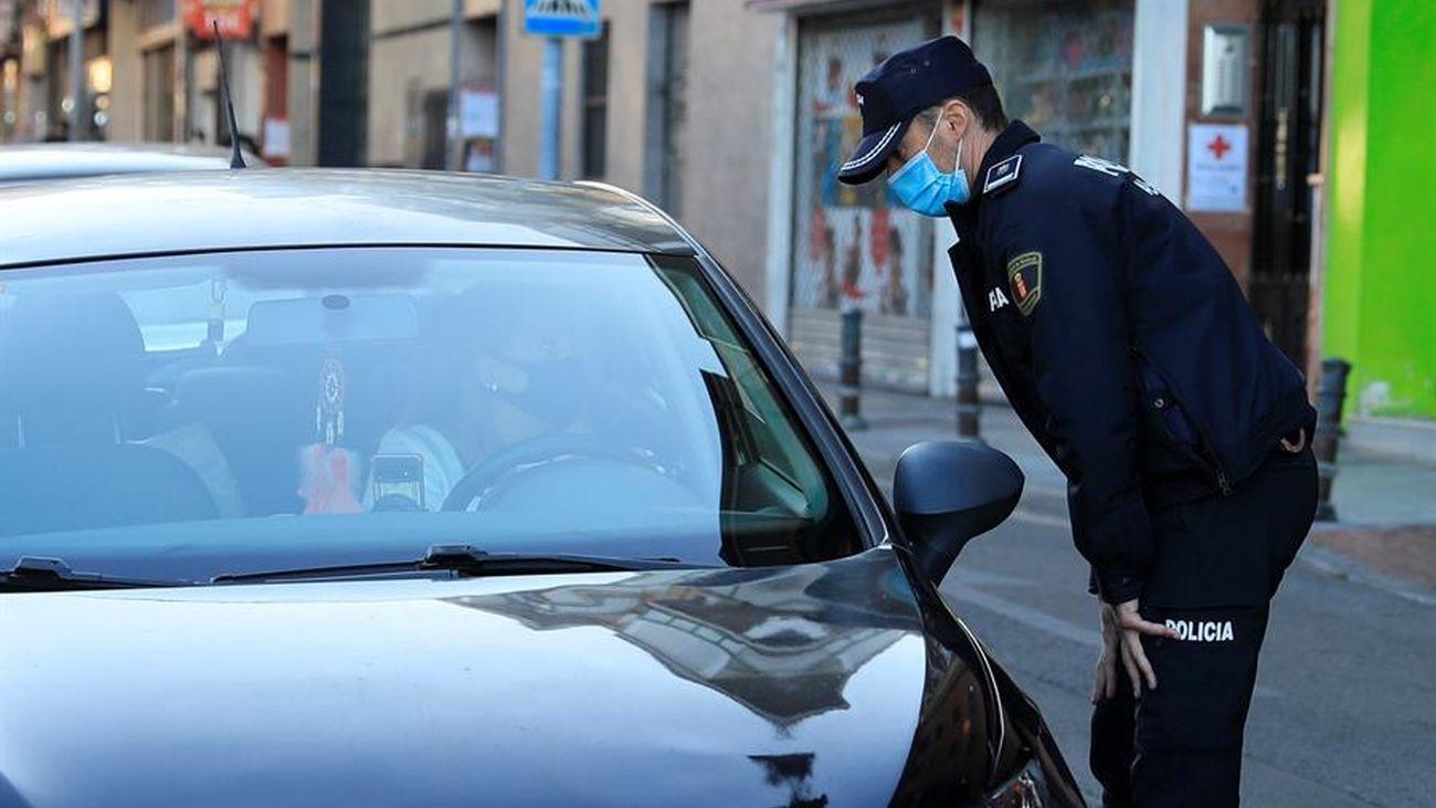 Control policial para vigilar que se cumplan las restricciones en Madrid