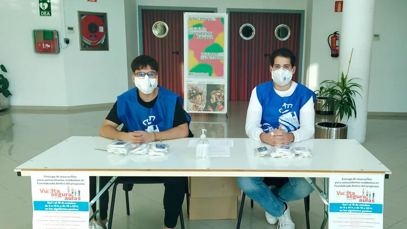 Fuenlabrada reparte 8.000 mascarillas reutilizables entre estudiantes universitarios