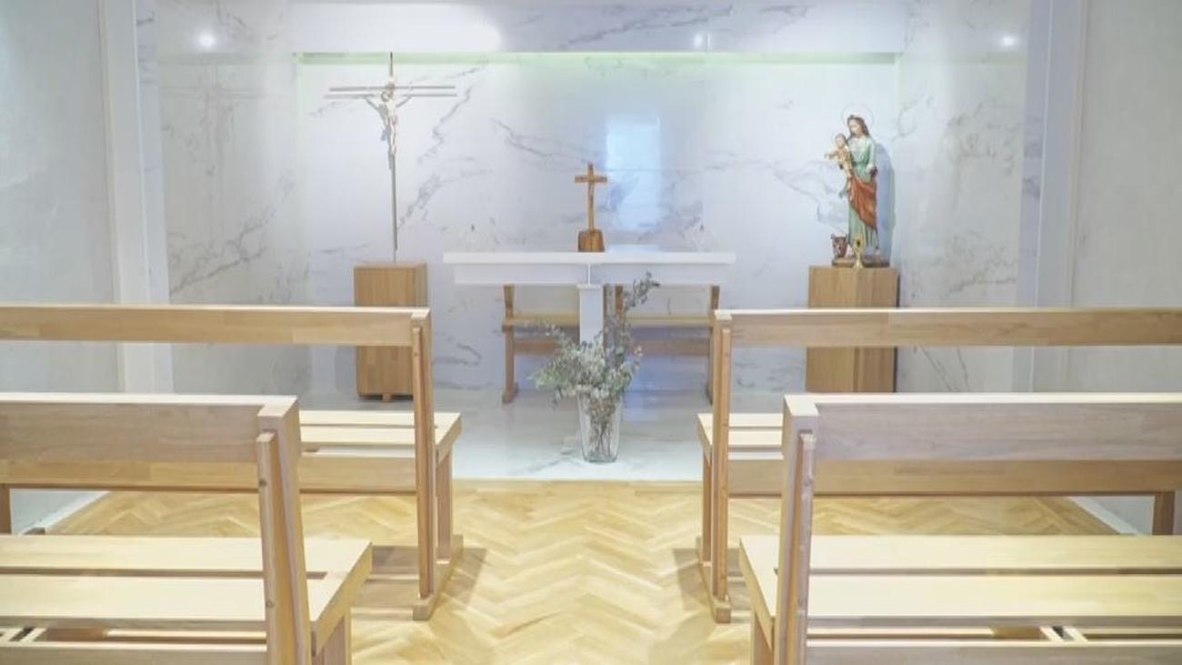 La increíble 'casa del altar' en donde vive una pareja con sus 9 hijos