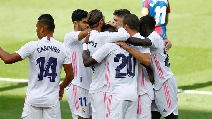 0-2. Vinicius y Benzema dan el triunfo y el liderato al Real Madrid ante el Valladolid