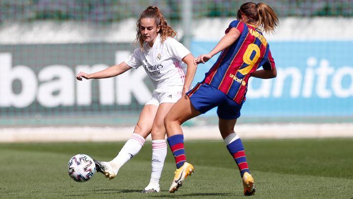 0-4. El Real Madrid femenino debuta en la liga con derrota ante el Barça