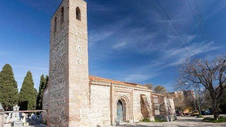 Vandalismo y suciedad en torno al templo mudéjar más antiguo de Madrid