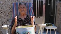 Una abuela de 88 años se graba en vídeo para ayudar a su nieto a buscar trabajo