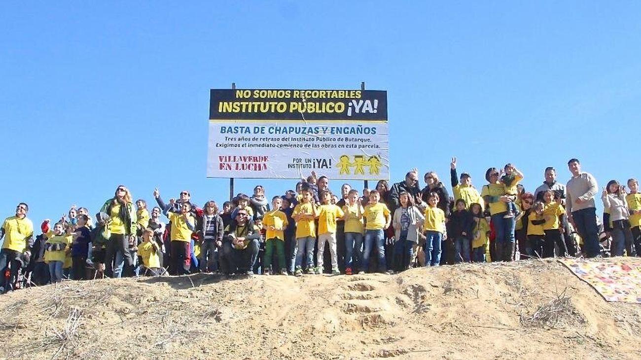 Protesta vecinal para pedir el Instituto en Butarque, Villaverde