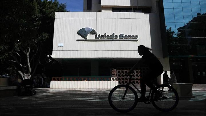 Unicaja y Liberbank negocian su fusión