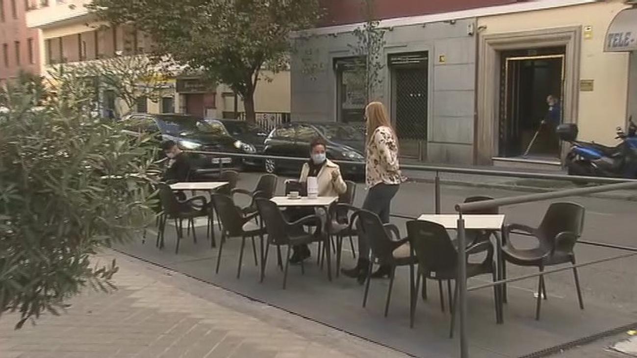 Los hosteleros de Madrid piden ayudas para usar estufas en las terrazas y mantener el negocio en invierno