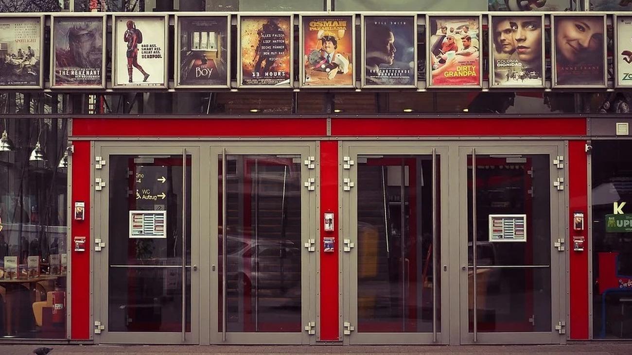 El mítico 'Cine Paz' cierra sus puertas temporalmente