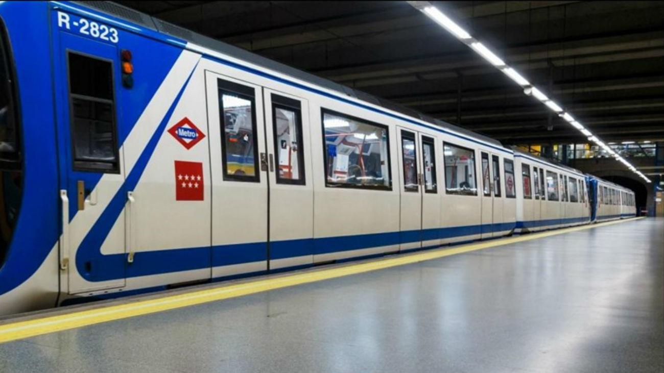 Tren parado de Metro de Madrid